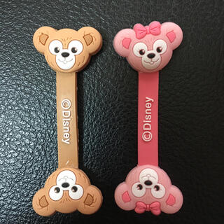 Disney - 日本未発売  ダッフィー シェリーメイ コードクリップ 2点