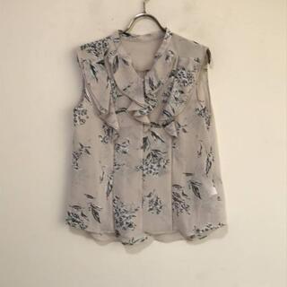 ジルスチュアート(JILLSTUART)の9429 JILL STUART ノースリーブブラウス 花柄 インナーキャミ付き(Tシャツ(半袖/袖なし))