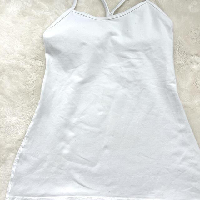 lululemon(ルルレモン)のPower Yタンク ルルレモンlululemon  サイズ4  白 スポーツ/アウトドアのトレーニング/エクササイズ(ヨガ)の商品写真