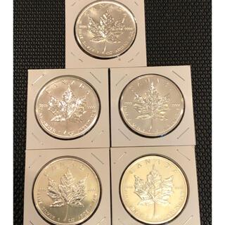 カナダメイプルリーフ純銀地金型銀貨  英国エリザベス女王  1オンス (金属工芸)