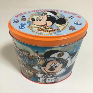 ディズニー(Disney)の(空箱・箱物シリーズ)⑤:ディズニー ミルクチョコレートクランチ 缶ケース(キャラクターグッズ)
