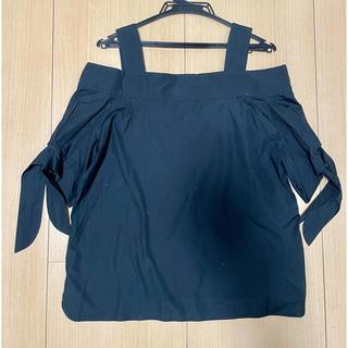 ダブルスタンダードクロージング(DOUBLE STANDARD CLOTHING)のオフショルダートップス 人気 美品(シャツ/ブラウス(長袖/七分))