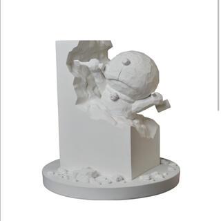 メディコムトイ(MEDICOM TOY)の彫刻家ドラえもん White Ver. 藤子不二雄 メディコムトイ(キャラクターグッズ)