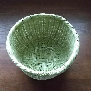 手編みのスズ竹ザル(キッチン小物)