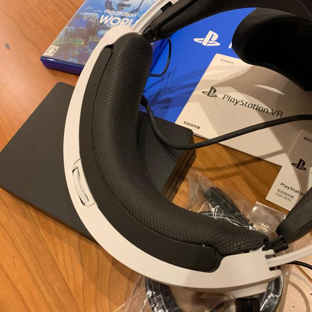 PlayStation VR(プレイステーションヴィーアール)のPlayStationVR PlayStation®Camera同梱版 PSVR エンタメ/ホビーのゲームソフト/ゲーム機本体(家庭用ゲーム機本体)の商品写真