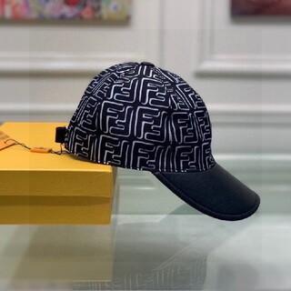 FENDI - 素敵★送料込み  FENDI フェンディ キャップ 帽子 美品