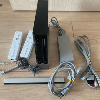 ウィー(Wii)のWii 本体 コントローラー付(家庭用ゲーム機本体)