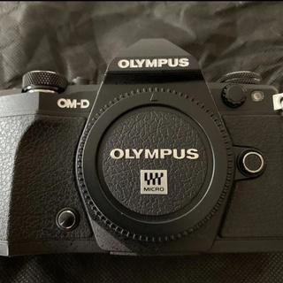 OLYMPUS - OLYMPUS  OM-D E-M5markⅡボディ