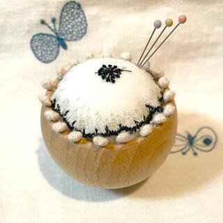 ミナペルホネン(mina perhonen)の*⑤*ミナペルホネン  ピンクッション ハンドメイド jelly flower (雑貨)