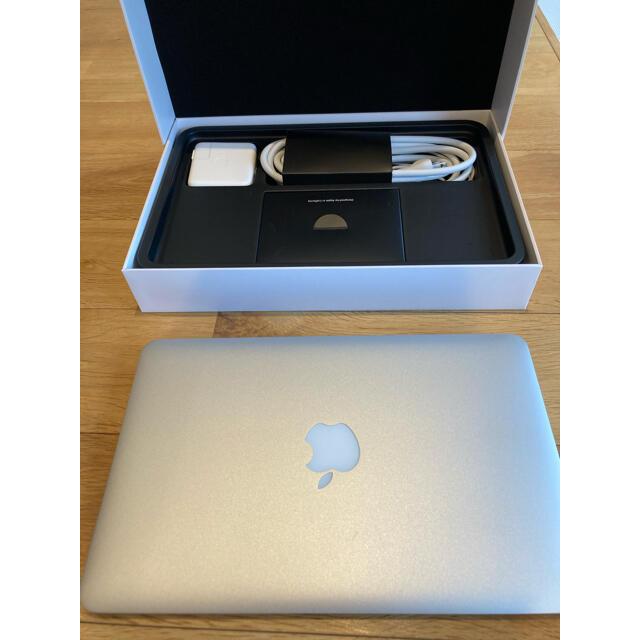 Apple(アップル)のMacBook air 2015 11インチ スマホ/家電/カメラのPC/タブレット(ノートPC)の商品写真