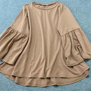 ジーユー(GU)の美品♡七分レースフリンジ袖トップス Tシャツ ベージュ M(Tシャツ(長袖/七分))