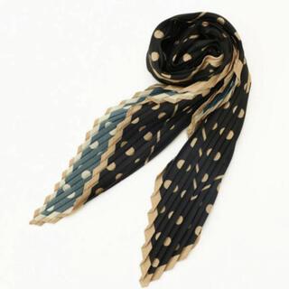 コムサイズム(COMME CA ISM)のプリントプリーツスカーフ(バンダナ/スカーフ)