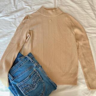 クレージュ(Courreges)の美品 クレージュ courreges ベージュ リブ 薄手 ニット セーター(ニット/セーター)