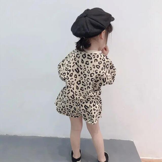 即納 100 韓国子供服 レオパード トップス ショートパンツ セットアップ キッズ/ベビー/マタニティのキッズ服女の子用(90cm~)(その他)の商品写真