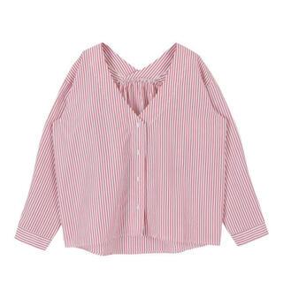 ティティベイト(titivate)のtitivate ティティベイト 抜け襟 オーバーサイズシャツ 赤 S~M(シャツ/ブラウス(長袖/七分))
