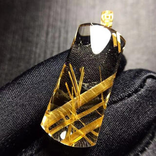 【高級】ゴールド タイチンルチル クォーツ  ペンダントトップ 6.6g(ネックレス)