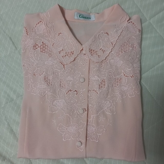Lochie - vintage pink embroidery blouse