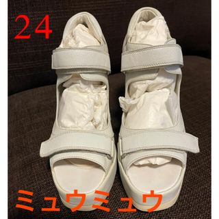 miumiu - 【超美品】ミュウミュウの厚底サンダル 38