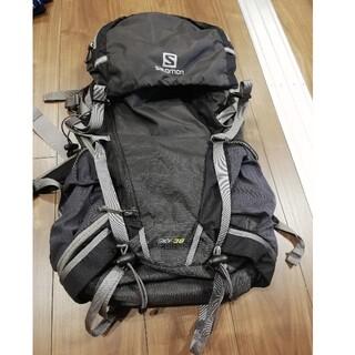サロモン(SALOMON)のサロモン リュック 登山 アウトドア キャンプ バックパック sky38L 黒(登山用品)