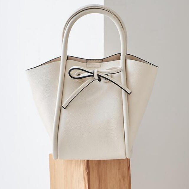 FRAY I.D(フレイアイディー)の新品 フレイアイディー リボンスモールバッグ レディースのバッグ(ショルダーバッグ)の商品写真