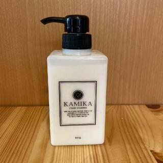 カミカ 黒髪クリームシャンプー KAMIKA 400g