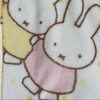シマムラ(しまむら)の専用  お取り置き中。 ミッフィー シングル 寝具 ブランケット 毛布(キャラクターグッズ)