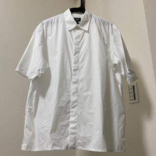 FENDI - FENDI 白の半袖シャツ