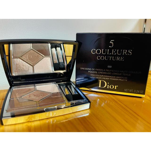 Dior(ディオール)のほぼ未使用 ディオール サンク クルール 669 ソフトカシミヤ 5月購入品 コスメ/美容のベースメイク/化粧品(アイシャドウ)の商品写真