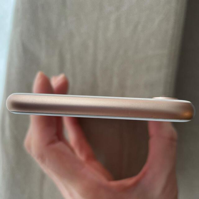iPhone(アイフォーン)のiPhone8 ゴールド(ピンクゴールド) 64GB スマホ/家電/カメラのスマートフォン/携帯電話(スマートフォン本体)の商品写真