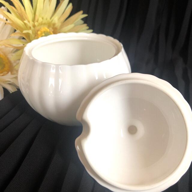 NIKKO(ニッコー)の『美品』ボーンチャイナ シュガーポット インテリア/住まい/日用品のキッチン/食器(食器)の商品写真