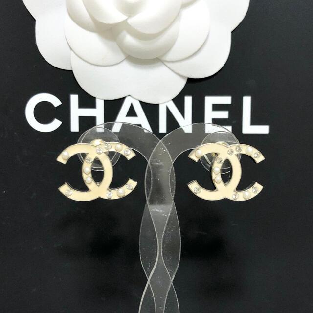 CHANEL(シャネル)の正規品 シャネル ピアス ココマーク ラインストーン パール 真珠 ゴールド 金 レディースのアクセサリー(ピアス)の商品写真