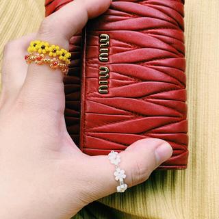 miumiu - miumiu 赤2つ折り マテラッセ折りたたみ財布 𓂃