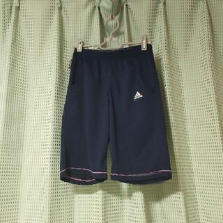 アディダス(adidas)のadidasショートパンツ(パンツ/スパッツ)