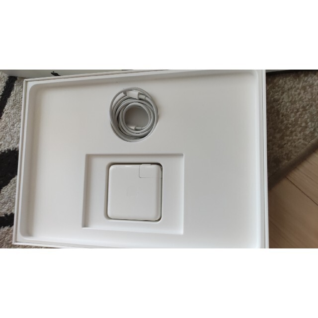 Apple(アップル)のAPPLE MacBook Pro 13インチ MPXV2J/A スマホ/家電/カメラのPC/タブレット(ノートPC)の商品写真