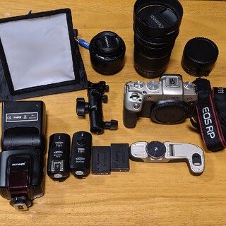 Canon - EOS RP 外箱 説明書完備 純正バッテリー2つ