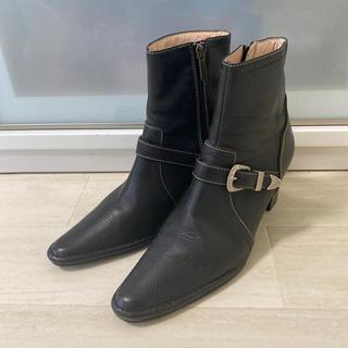 【美品】美人百花掲載 ベルトショートブーツ サイドゴアブーツ 24cm ブラック(ブーツ)
