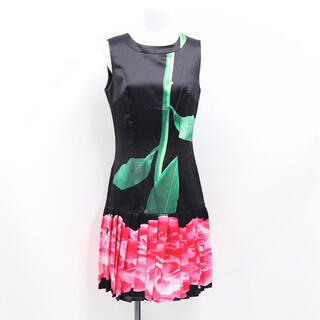 アリスアンドオリビア(Alice+Olivia)の新品未使用 花柄ワンピース ドレス(ひざ丈ワンピース)