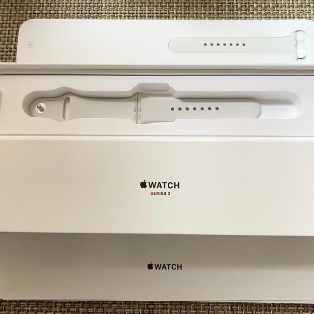 Apple Watch(アップルウォッチ)のまな様専用 Apple Watch Series3 バンドホワイト スマホ/家電/カメラのスマホアクセサリー(その他)の商品写真