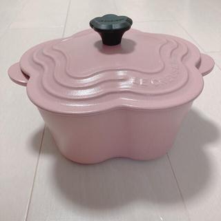 LE CREUSET - ル・クルーゼ ココットフルール シュガーピンク 鍋 フラワー