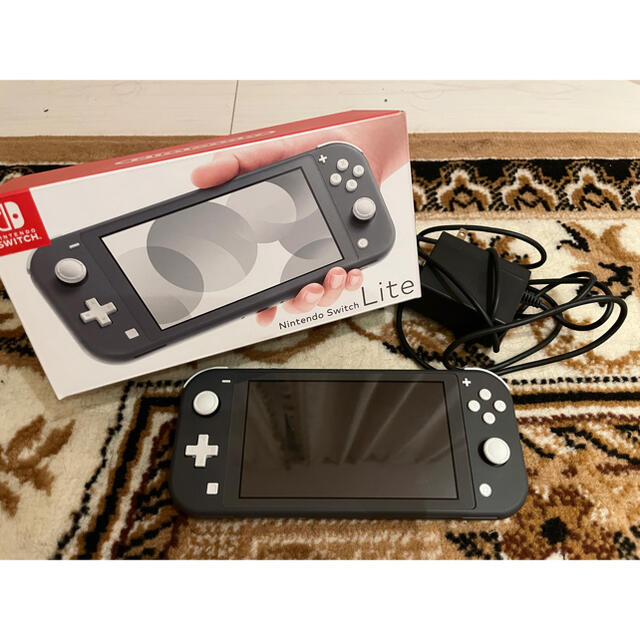 Nintendo Switch(ニンテンドースイッチ)のNintendo Switch Lite グレー ニンテンドー スイッチ ライト エンタメ/ホビーのゲームソフト/ゲーム機本体(家庭用ゲーム機本体)の商品写真