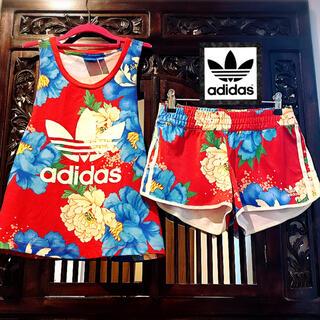 アディダス(adidas)のアディダス 赤 花柄 ジャージ 上下 Tシャツ パンツ セットアップ 和柄(Tシャツ(半袖/袖なし))