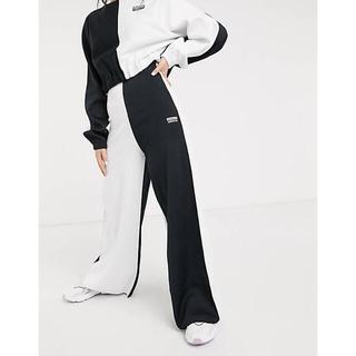 アディダス(adidas)のアディダスオリジナルス adidas originals バイカラーワイドパンツ(カジュアルパンツ)