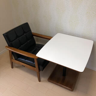 カリモクカグ(カリモク家具)の【処分セール】『カリモク60』カフェテーブル & Kチェア 1シーター(ダイニングテーブル)