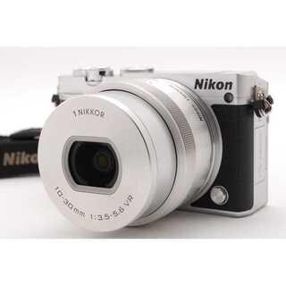 ニコン(Nikon)の★ WiFi転送&自撮りもらくらく♪ Nikon 1 J5 シルバー ★(ミラーレス一眼)