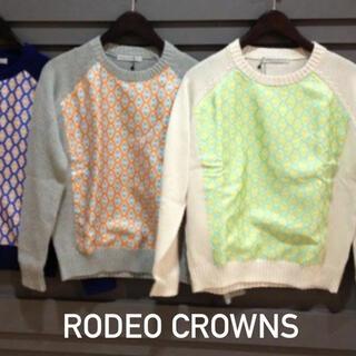 ロデオクラウンズ(RODEO CROWNS)のRODEO CROWNS エンブレム コンビ ニット*ギャップ トミー スライ(ニット/セーター)