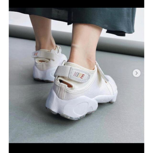 IENA(イエナ)の新品  NIKE/ナイキ  エアリフト  NIKE AIR RIFT  23cm レディースの靴/シューズ(スニーカー)の商品写真