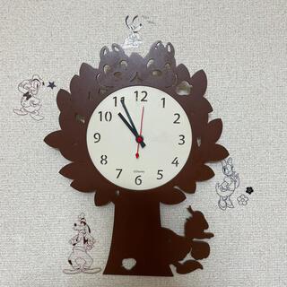 ドナルドダック(ドナルドダック)のドナルド&チップデール 木製掛け時計(キャラクターグッズ)