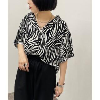 ☆apres jour mignon☆ゼブラプリントカイキンシャツ(シャツ/ブラウス(半袖/袖なし))