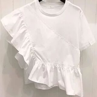 ザラ(ZARA)のアンバランス フリル Tシャツ(Tシャツ(半袖/袖なし))