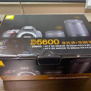 Nikon - d5600 ダブルズームキット レンズフード、レンズカバーつき